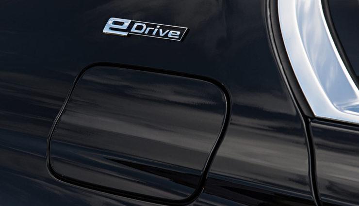 BMW-740e-iPerformance-Plug-in-Hybrid-.jpg7