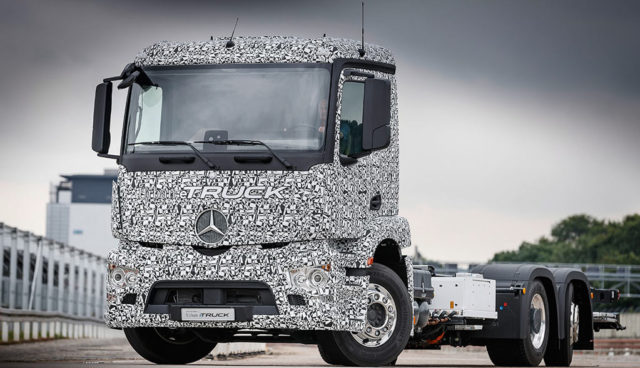 Mercedes-Benz-Urban-eTruck14