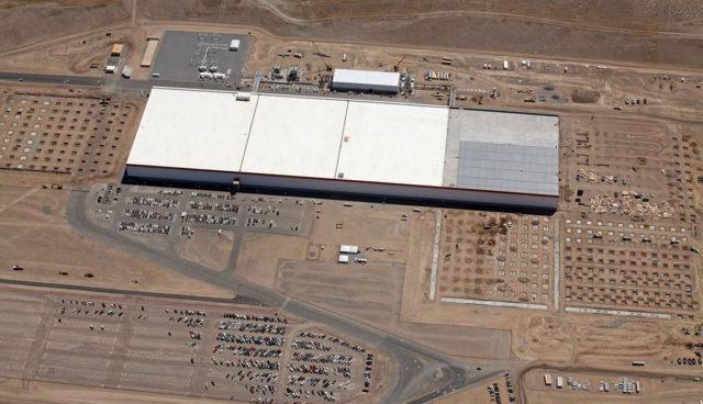 Tesla-Gigafactory-Eroeffnung-201612