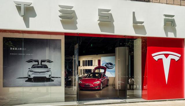 Tesla-Store-Vertrieb-Marketing-Strategie