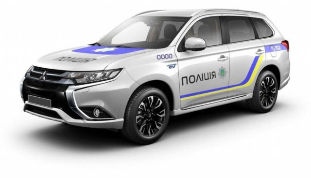 Ukraine–Polizei-bestellt-651-Plug-in-Hybrid-SUV-von-Mitsubishi
