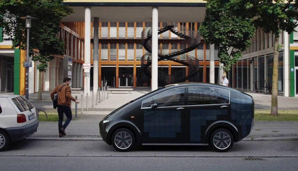 deutsches startup stellt selbstladendes solar elektroauto vor video. Black Bedroom Furniture Sets. Home Design Ideas