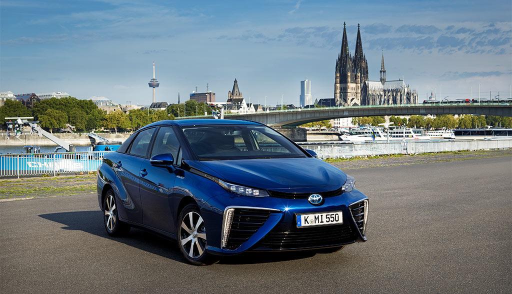 Toyota-Mira-Taxi-Elektroauto-Wasserstoffauto