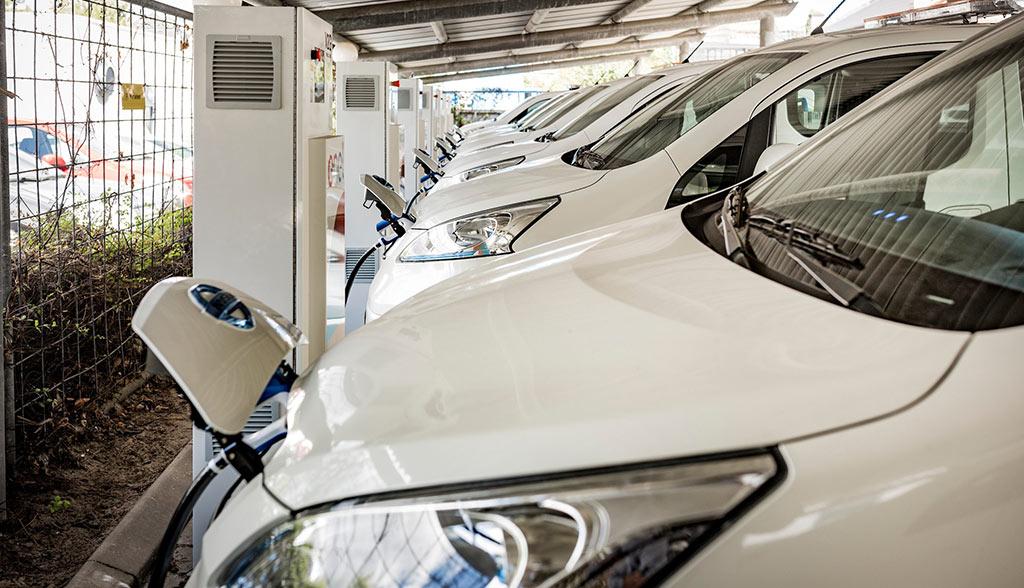 Erste-gewerbliche–Elektroauto-Vehicle-to-Grid-Flotte-am-Netz