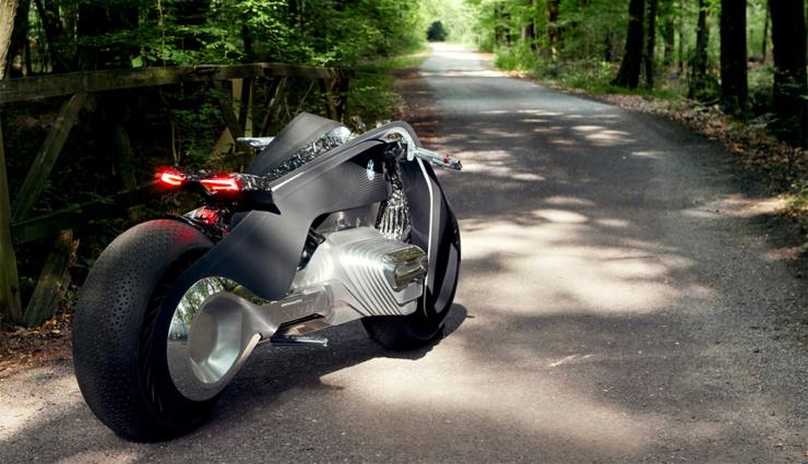bmw-motorrad-vision-next-10010