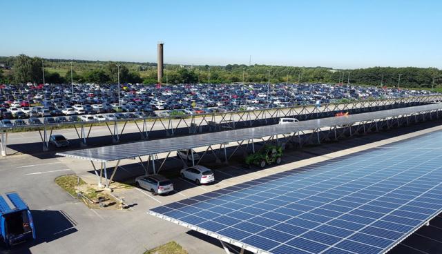 flughafen-weeze-solar-carport