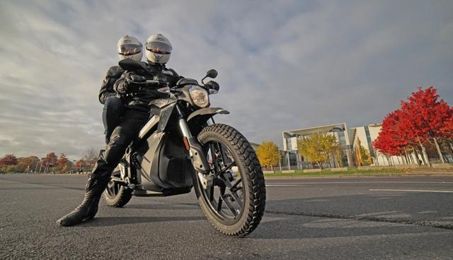 Berlin – Marrakesch: Mit dem Elektromotorrad zur Klimakonferenz