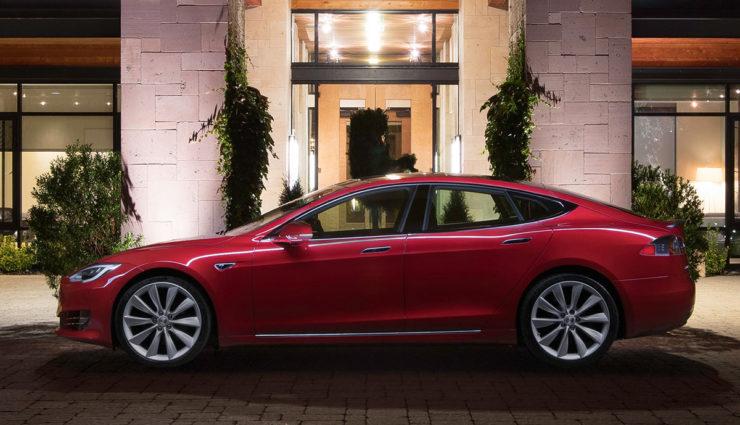 Tesla-Model-S-2017—1