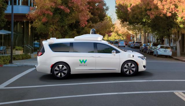 Google und Chrysler stellen selbstfahrenden Hybrid-Van vor