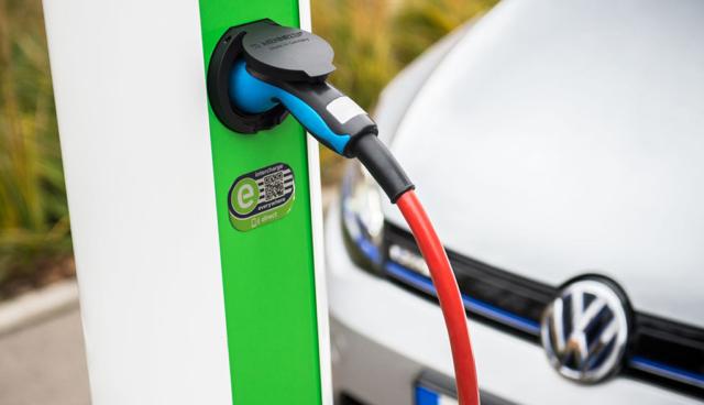 Elektroauto-Laden: VW steigt bei eRoaming-Plattform Hubject ein