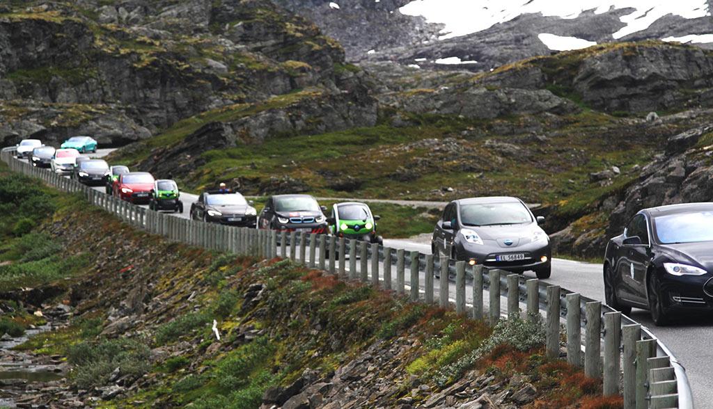 Norwegen-100.000-Elektroautos-2016