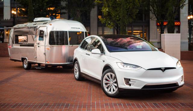 Tesla-Elektroauto-Camping-Caravaning
