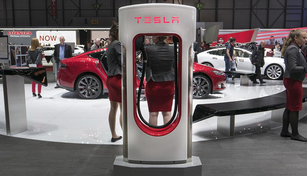 Tesla-Supercharger-350-kW-Ladeleistung