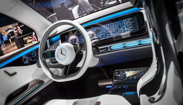 Autohersteller: Alternative Antriebe wichtiger als Digitalisierung und Vernetzung