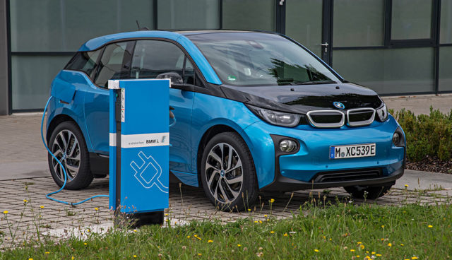 BMW verkauft 2016 über 62.000 elektrifizierte Fahrzeuge