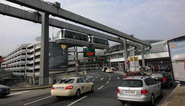Elektroauto-Airport-Flughafen-Duesseldorf