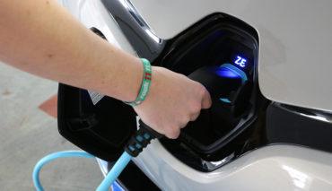 Elektroauto–&-Hybridauto-Zulassungsbilanz-2016