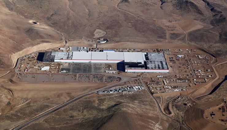 """Tesla """"Gigafactory"""" erhält weltweit größtes Solardach"""