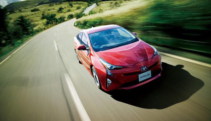 Fast jeder dritte Toyota oder Lexus fährt teilelektrisch