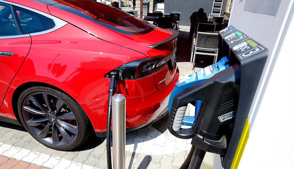 Bundesprogramm-Elektroauto-Ladeinfrastruktur-offiziell-genehmigt