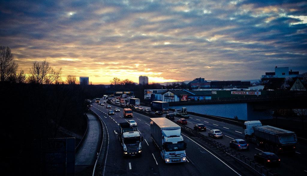 CO2-Emissionen-in-Deutschland-ruecklaeufig,-trotz-mehr-CO2-im-Verkehr