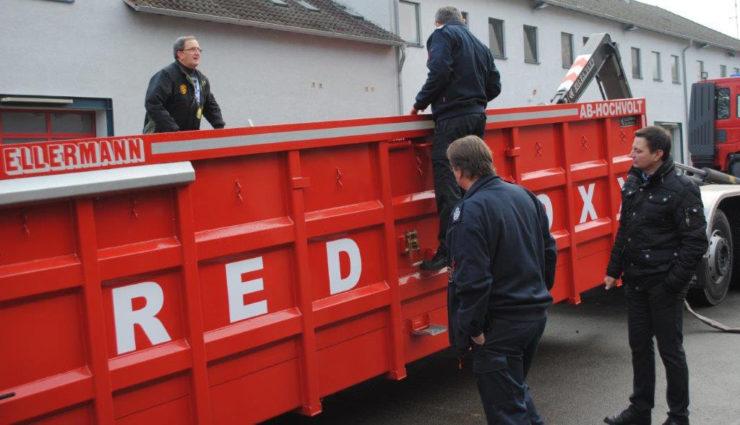 Elektroauto-Loesch-Container-Red-Boxx—7