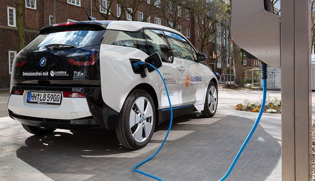 Intelligentes Stromnetz: Wie Elektroautos eingebunden werden können ...