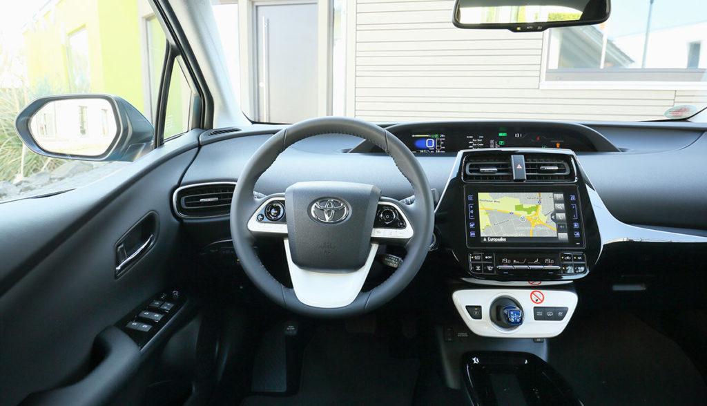 Toyota-Prius-Plug-in-Hybrid-1