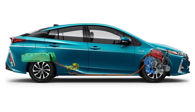 Toyota-Prius-Plug-in-Hybrid-2017—14