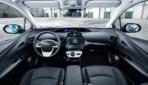 Toyota-Prius-Plug-in-Hybrid-2017---15