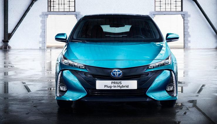 Toyota-Prius-Plug-in-Hybrid-2017—6