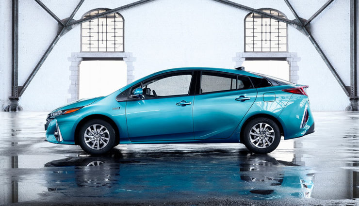 Toyota-Prius-Plug-in-Hybrid-2017—8