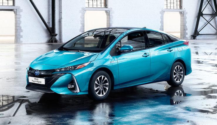 Toyota-Prius-Plug-in-Hybrid-2017—9