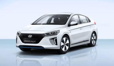 Hyundai-Ioniq-Plug-in-Hybrid—3