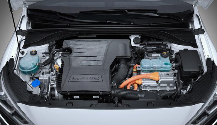 Hyundai-Ioniq-Plug-in-Hybrid—7