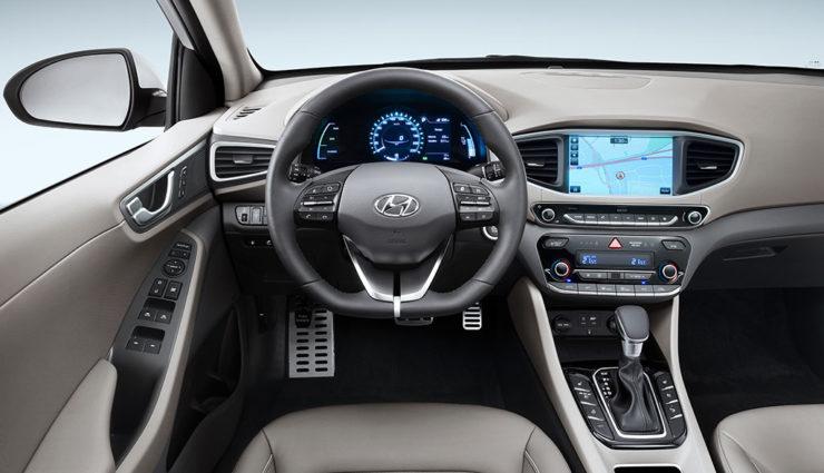 Hyundai-Ioniq-Plug-in-Hybrid—8