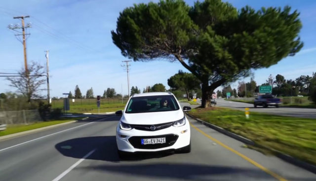 Opel-Elektroauto Ampera-e beim Cruisen in den USA (Video)