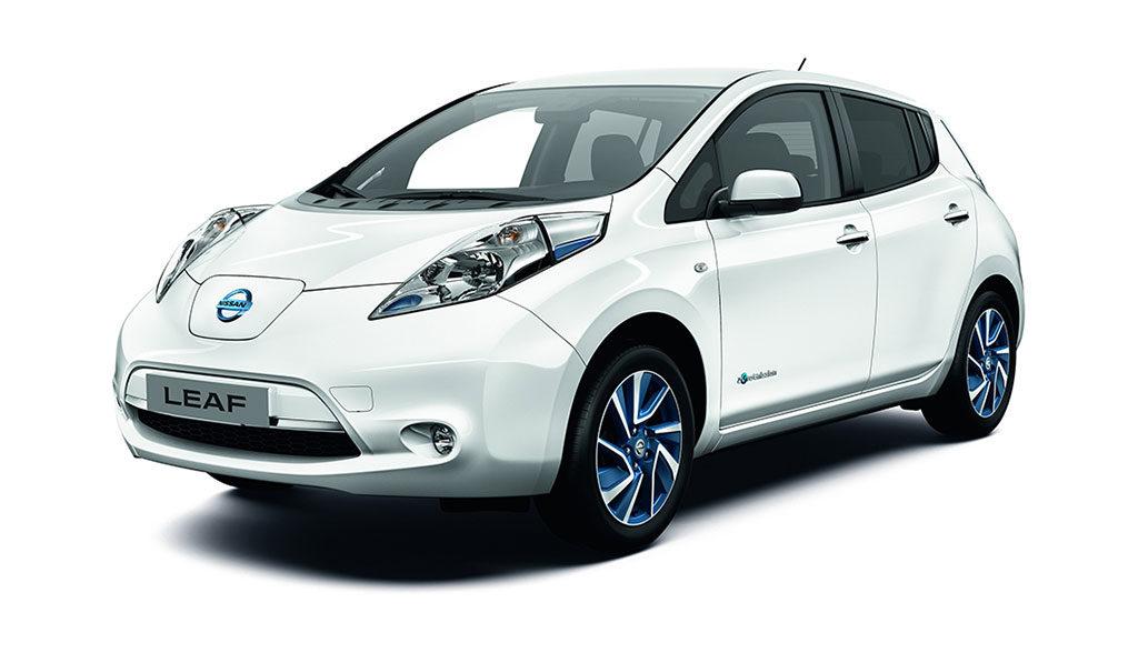 Papst-Elektroauto-Nissan-LEAF