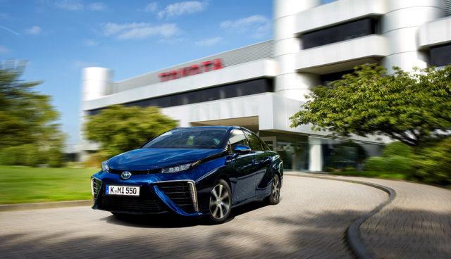 Fünf Sterne für Toyotas Wasserstoff-Elektroauto Mirai beim ADAC EcoTest