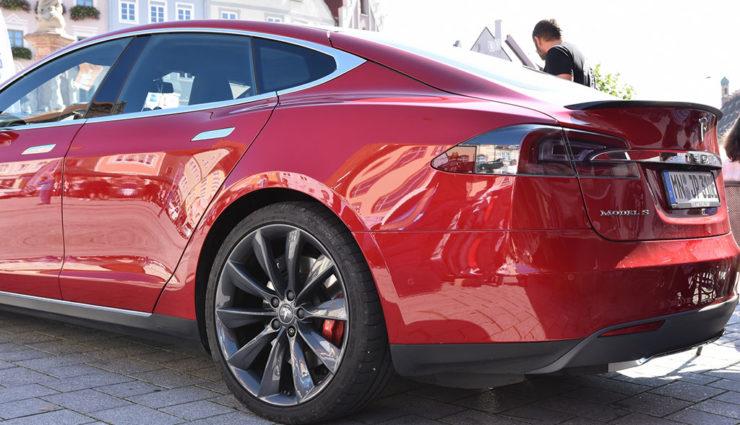 """VW-Chef: """"Tesla muss man ernst nehmen"""""""