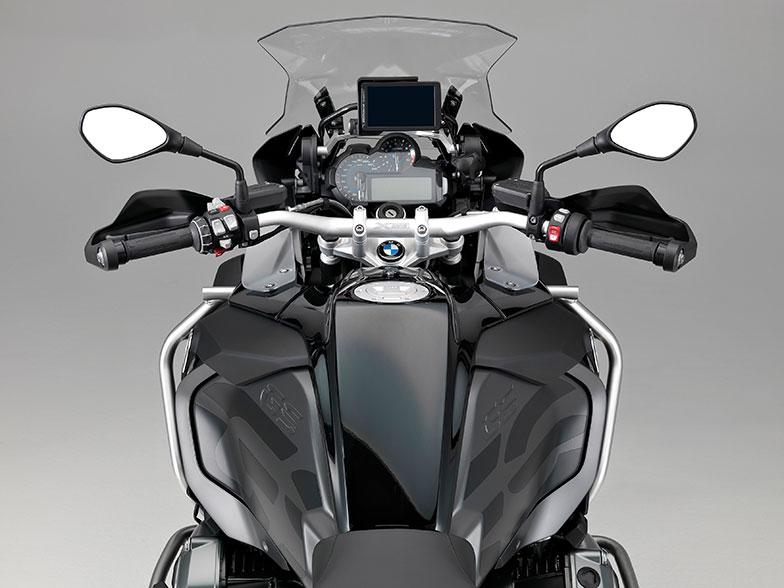 BMW-Motorrad-R-1200-GS-xDrive-Hybrid-3