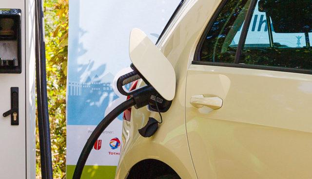 Neue, interaktive Elektroauto-Ladesäulenkarte der Bundesnetzagentur