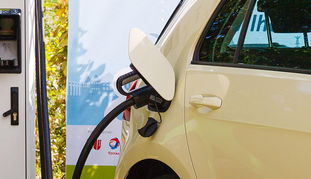 Neue Elektroauto-Ladesäulenkarte der Bundesnetzagentur