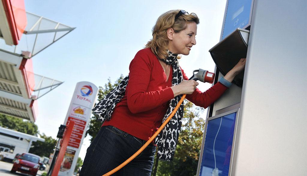 Warum Tankstellen trotz Elektroauto-Zukunft weiter wichtig sind
