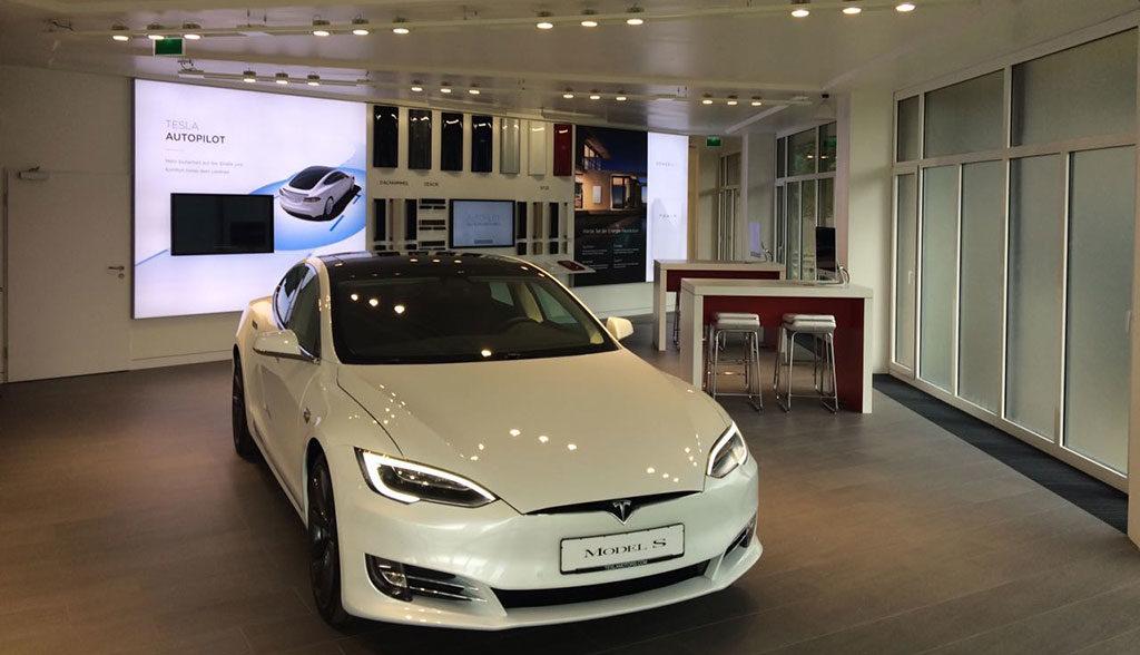 Tesla-Muenchen-Gruenwald-2017—3