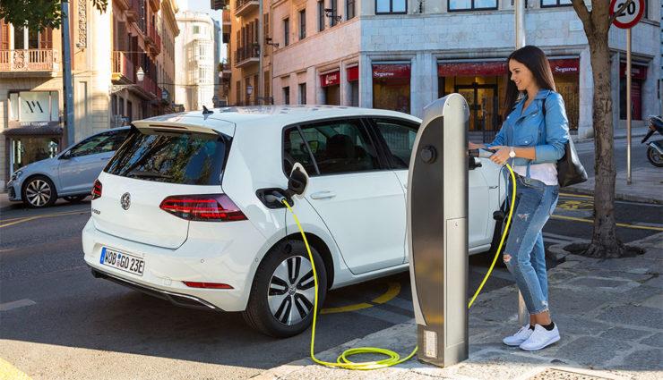 VW-e-Golf-Elektroauto-2017—9