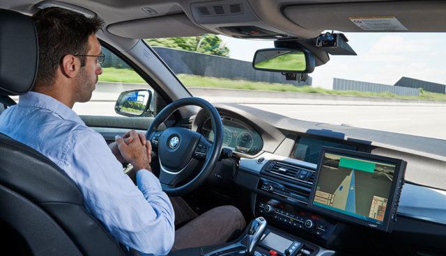 """Wie BMW """"Freude am Fahren"""" im autonomen Auto definiert"""