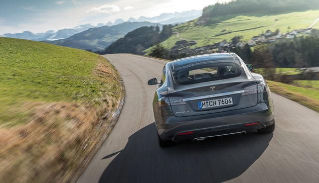 Durchschnittliche E-Fahrzeug-Reichweite 2016 bei 270 Kilometern