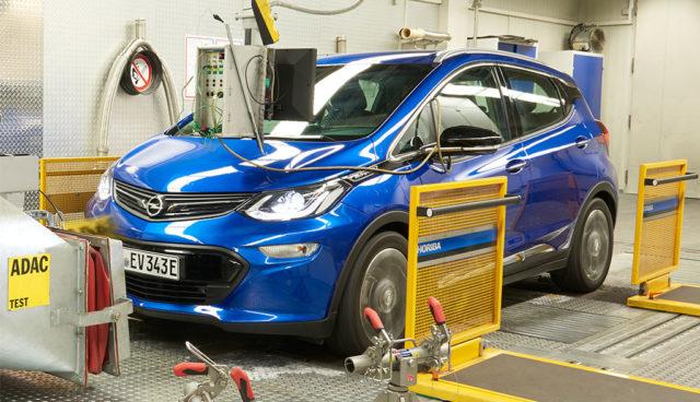 Opel Ampera-e überzeugt im ADAC-Test