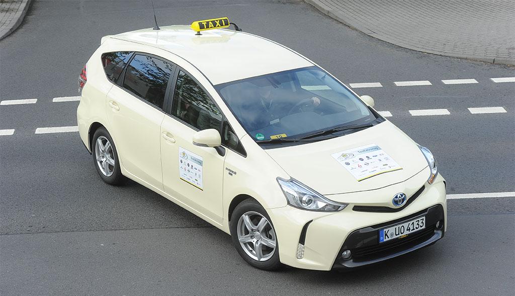 hybridautos berzeugen bei wahl zum taxi des jahres. Black Bedroom Furniture Sets. Home Design Ideas
